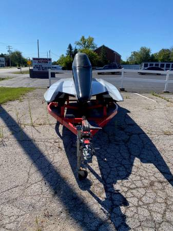 Photo HIGH SPEED TUNNEL RACE BOAT WITH TRAILER PROJECT NEEDS WORK PROJECT - $2,500 (RACINE)