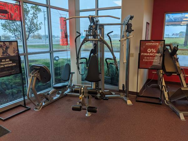 Hoist V4 Elite (Johnson Fitness and Wellness - Racine Outlet Store)