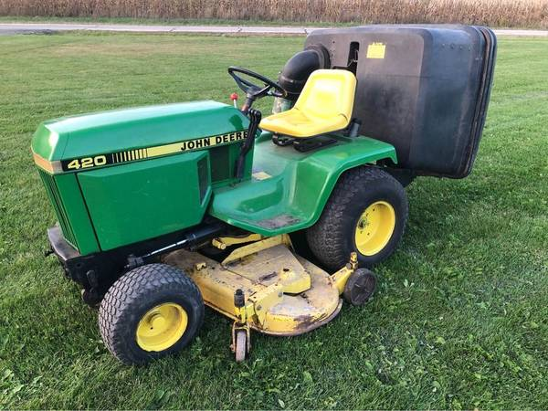 Photo John Deere 420 Garden Tractor with MCS - $2,600 (Bristol)