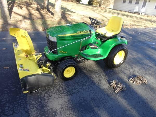 Photo John Deere GT245 54quot Deck 42quot Snowblower - $3100 (Naperville)