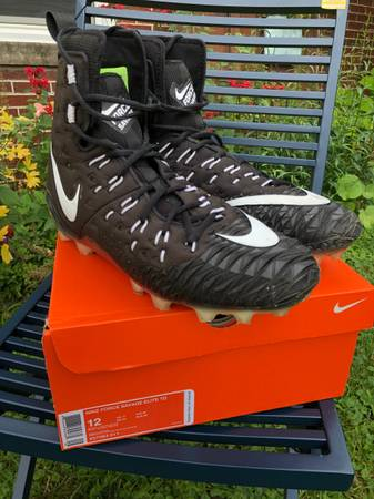 Photo Mens Nike Football cleats size 12 Force Savage Elite TD - $35 (Wind Point)