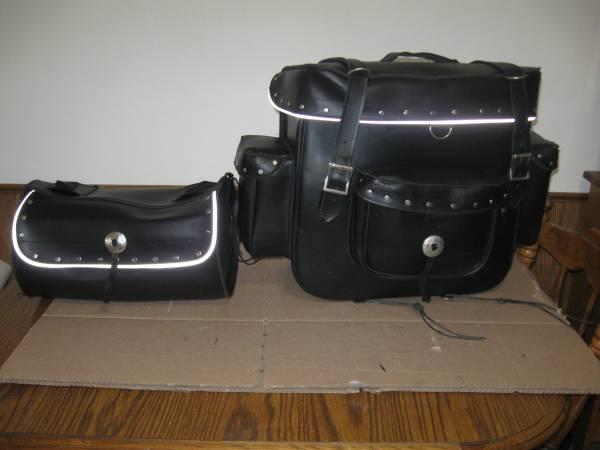 Photo Motorcycle Sissy Bar Luggage  Travel Pack - $100 (Racine  Caledonia)