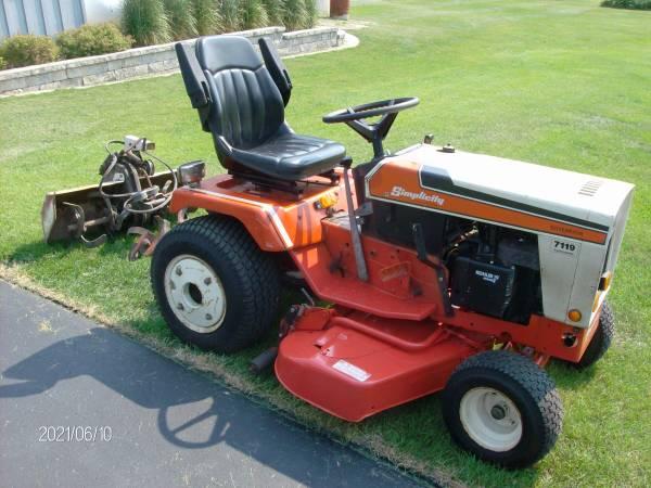 Photo Simplicity 7119 Sovereign Tractor - $2,150 (BURLINGTON)