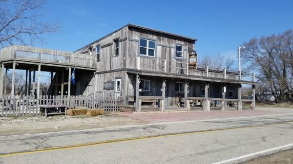 Photo THE DIRTY HOE SALOON - $450,000 (Kansasville)
