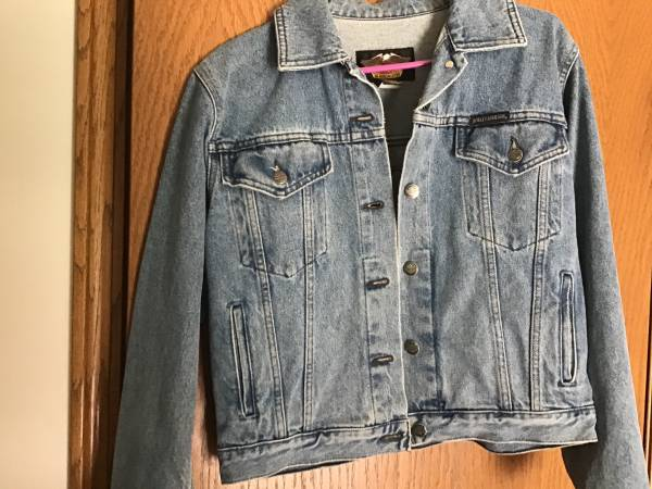 Photo Womens Harley Davidson denim jacket - $75 (Pleasant prairie)