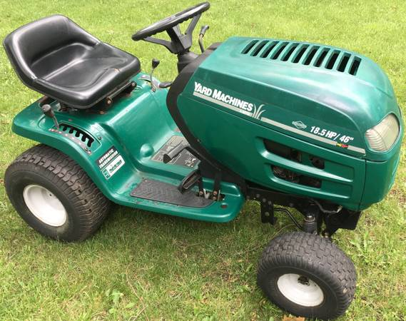 Photo Yard Machines 18.5HP Lawn Tractor46quot riding mower - $250 (Antioch, ILL)