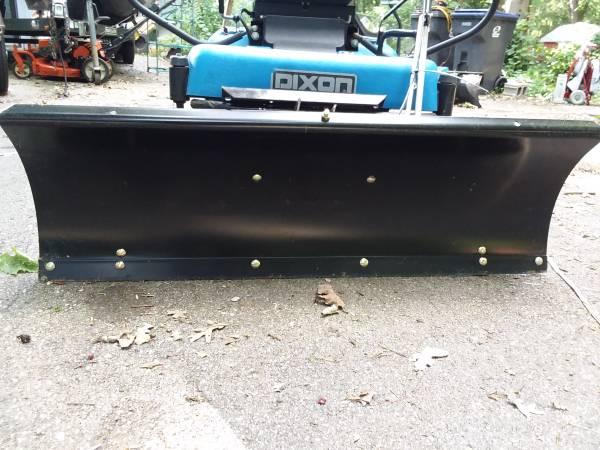 Photo Zero Turn Dixon Lawmower with or without the snowplow - $700 (MOUNT PLEASANT)