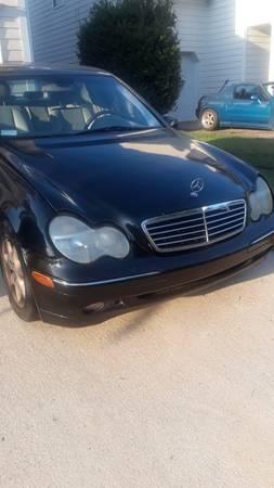 Photo 02 Mercedes Benz C320 - $2,500 (Raleigh)
