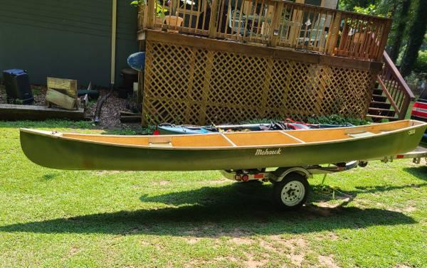 Photo 15 ft Fiberglass Mohawk Flat Back Canoe - $500 (Sanford)