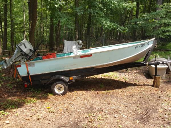Photo 1959 Jon Boat w 15 HP Honda Motor - $2,200 (NW Raleigh)