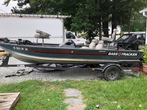 Photo 1989 bass tracker tournament v 17  boat john boat - $4,000