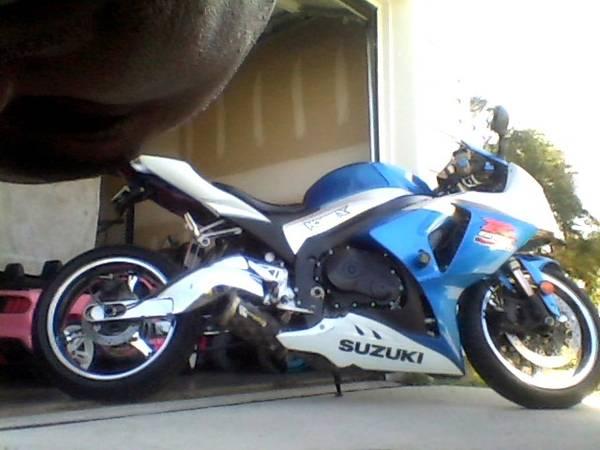 Photo 2009 Suzuki GSXR 1000 - $7,000 (Burlington)