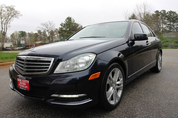 Photo 2013 MERCEDES C300 4MATIC - $11,650 (S. RALEIGH  GARNER)