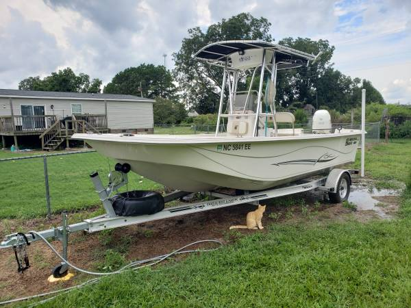 Photo 2017 carolina skiff 218 DLV 21 foot 115 Suzuki - $30,000 (PIKEVILLE)