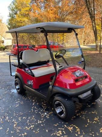 Photo 2018 Club Car Gas Fuel Injected Golf Cart - $6900 (Tega Cay, SC)
