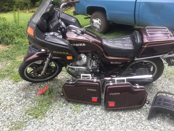 Photo 81 Honda Silverwing Interstate - $2,000 (Pittsboro)