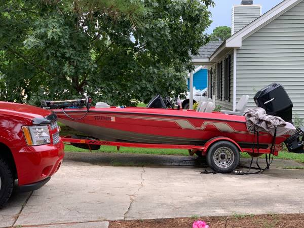 Photo 95 nitro bass boat - $5,000 (Raleigh)