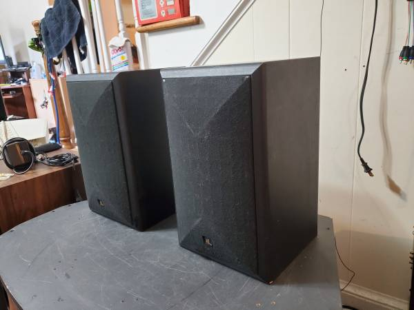 Photo Acoustic Research 206HO Bookshelf Speakers - $30 (Raleigh)