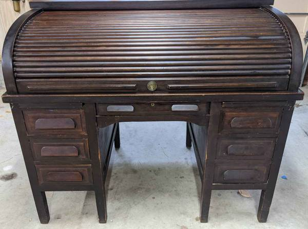 Photo Antique Mahogany Roll Top Desk Excellent Condition LOCKS w Keys - $599 (Northeast Raleigh)