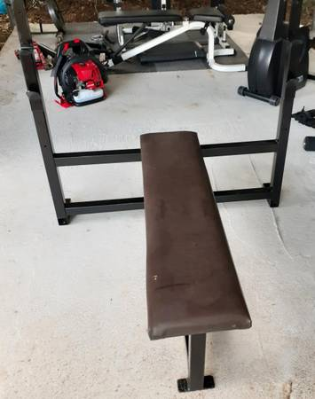 Photo COMMERCIAL GYM QUALITY OLYMPIC BENCH - $400 (Pittsboro)