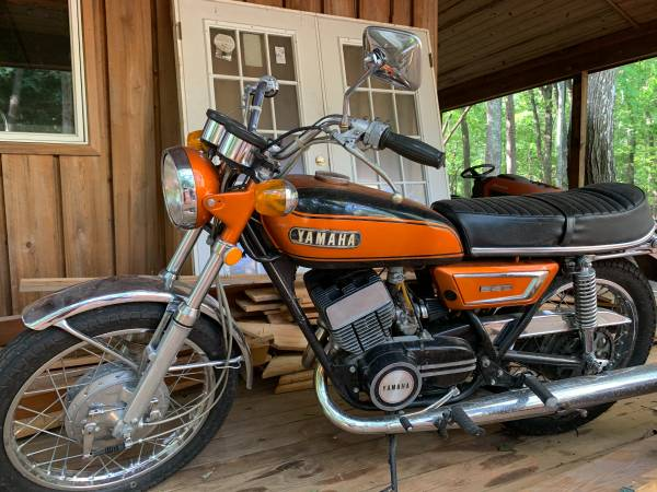 Photo Classic 1970 Yamaha R3-350 Motorcycle - $4,500 (raleigh)