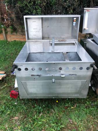 Photo Commercial Gas Hot Dog Cart - $1300