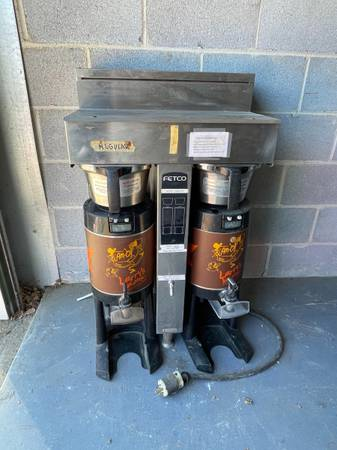 Photo Commercial coffee machine - $150 (Raleigh)