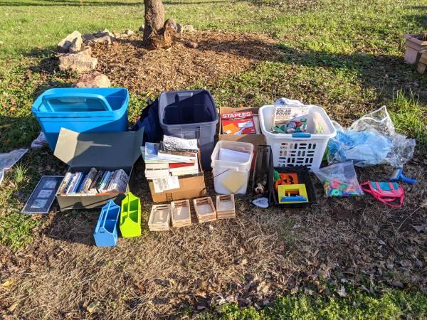 Photo Curb Alert Free stuff (Durham)