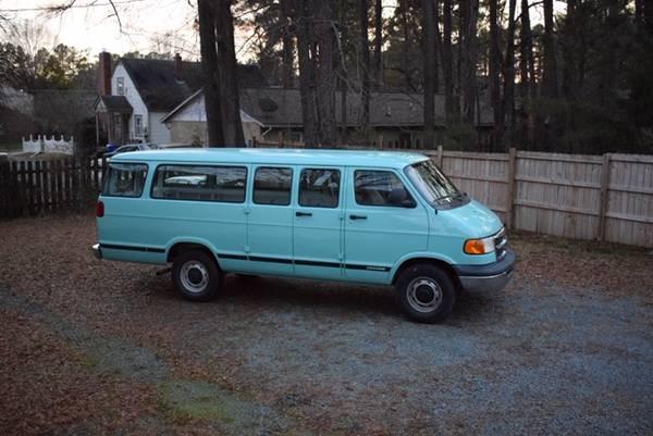 Photo Dodge Ram 3500 15 Passenger Van - $4500 (Carrboro)