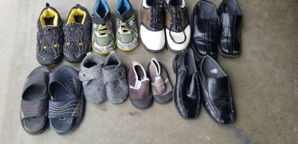 Photo Free kids shoes - used (Wendell)