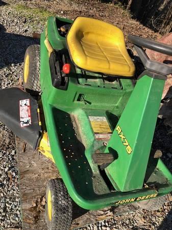 Photo John Deere Lawn Mower RX-75 - $275 (apex)
