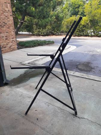 Photo Keyboard Stand,Completely Adjustable - $50 (Raleigh)