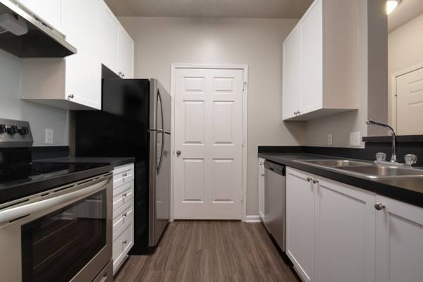 Photo Looking for a one bedroom to call home Look no further (Durham)
