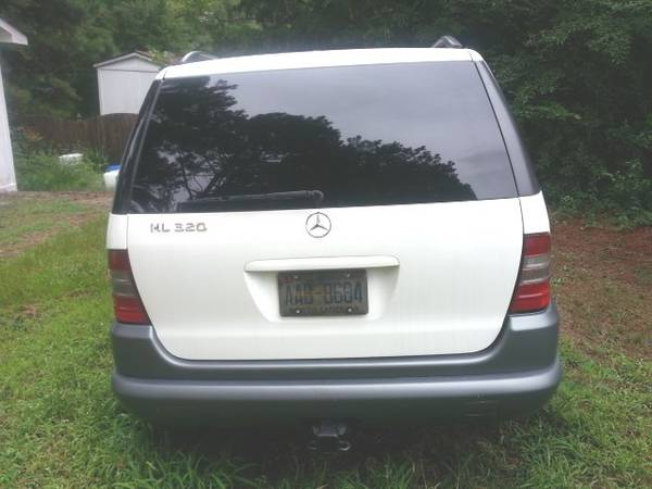 Photo MERCEDES BENZ ML320 SUV FOR SALE - $1,800 (RALEIGH)