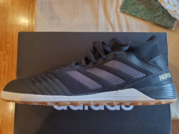 Photo Men39s Predator 19.3 Tango Indoor Soccer Shoes 11.5 - $25 (Cary, NC)