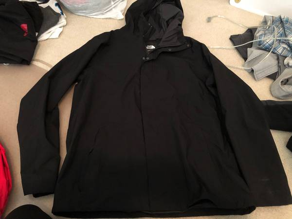 Photo Mens North Face - $50 (Chapel hill)