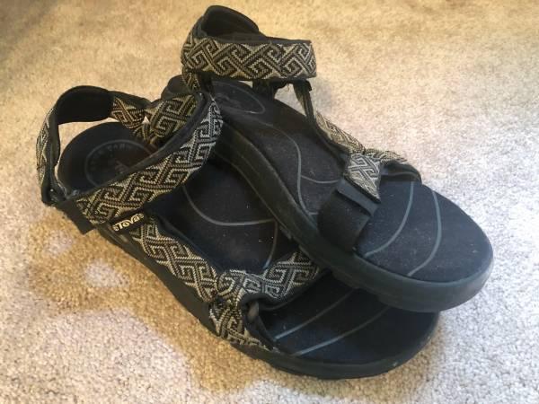 Photo Mens Teva Strap Sandals Size 12 - $15 (FUQUAY VARINA)