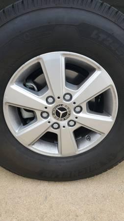 Photo Mercedes sprinter factory alloy wheelsrims new take offs image - $900 (Wilmington)