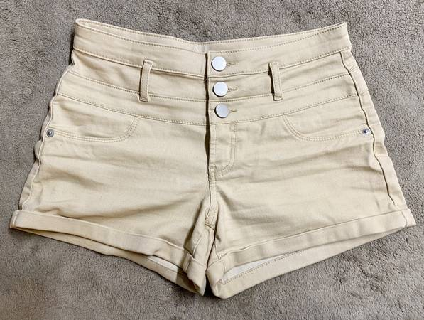 Photo NEW Womens Girls Kids Beige Mid-Rise Denim Jeans Shorts By No Boundar - $10 (North Raleigh)