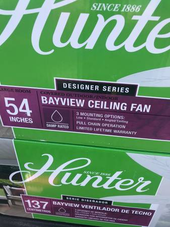 Photo New 4 hunter ceiling fan 52in white indooroutdoor - $80 (Nw raleigh)