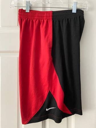 Photo Nike Red and Black Youth XL Shorts - Excellent Condition - $10 (Cary)