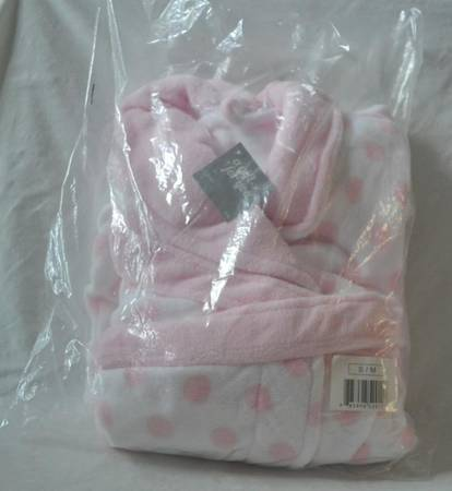 Photo Pink and White Women39s Robe - Size SM - New - $10 (Garner)