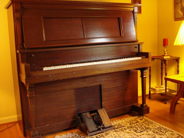 Photo Player Piano (1914) - - $78 (Raleigh)