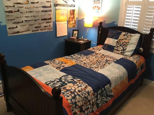 Photo Pottery Barn Catalina Bedroom Set - $700 (Raleigh)
