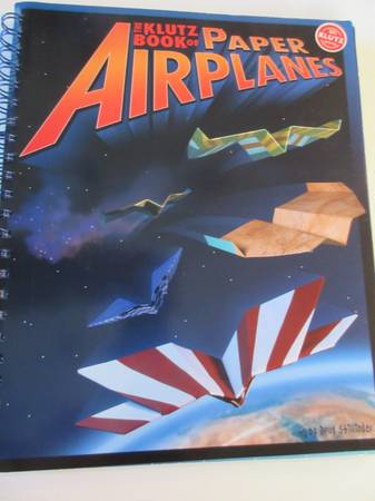 Photo The Klutz Book of Paper Airplanes-Brand New - $15 (Cary)