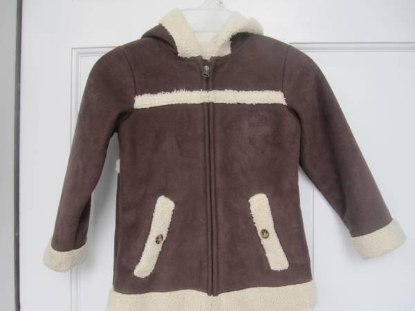 Photo Toddler Girls 4T Fleece Jacket - Like New - $8 (Cary)