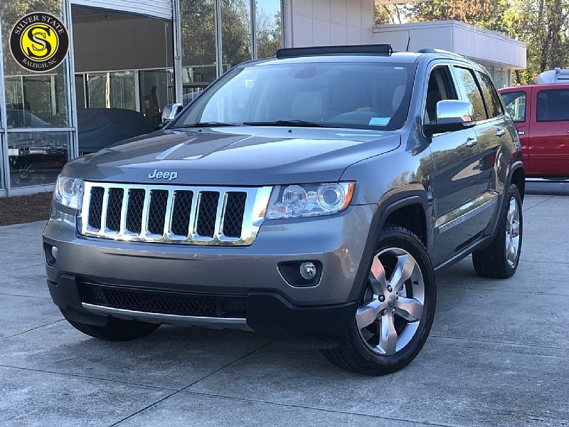 Photo Used 2012 Jeep Grand Cherokee Overland Summit for sale