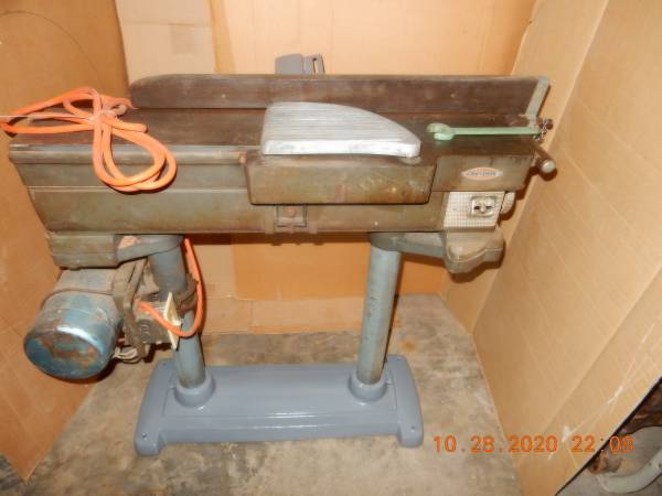 Photo Vintage Heavy Duty Craftsman Six Inch Jointer - $375 (NW Raleigh)