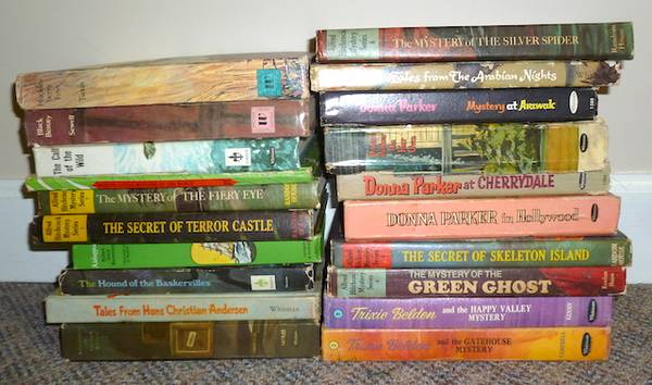 Photo Vintage Young Adult Books - $60 (Youngsville)