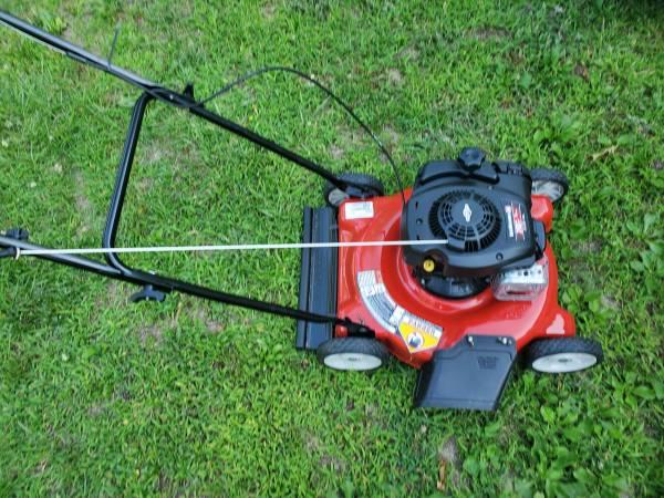Photo Yard Machines 20quot Push Mower - $110 (Wendell)